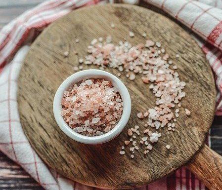 Qual è la dose di sale raccomandata giornalmente?
